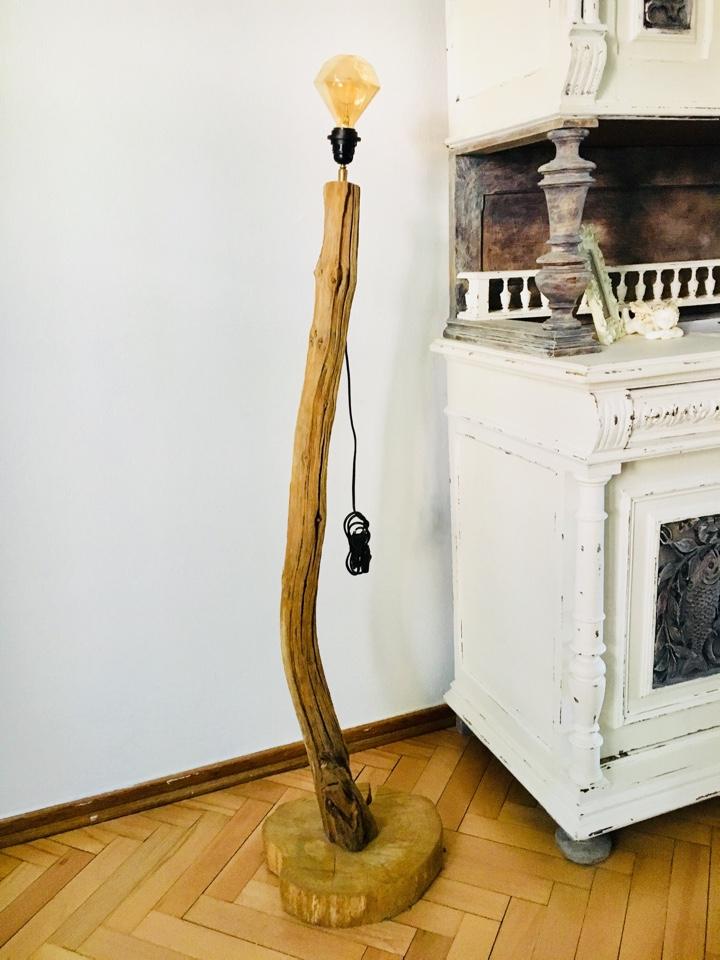 stehlampe aus baumstamm shabby landhaus vintage 150 cm. Black Bedroom Furniture Sets. Home Design Ideas