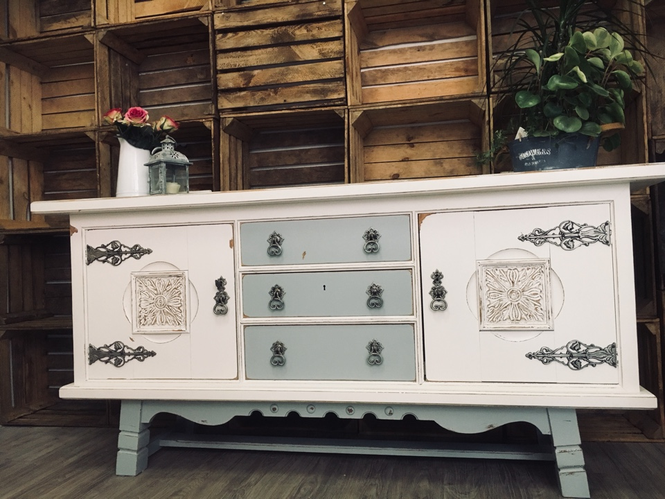 kommode anrichte sideboard schrank shabby chic 180 x 92 cm. Black Bedroom Furniture Sets. Home Design Ideas
